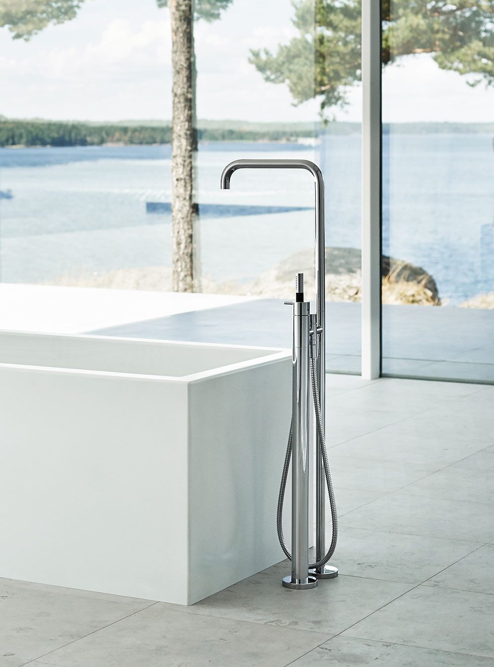 FS1: Free-standing bath mixer with hand shower, high 1080 mm.FS1 UP = Build-in part for free-standing ...